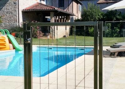 Portillon barrière de piscine sécurité enfant