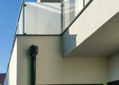 Garde-corps-Inox-sur-mesure-verre-opal_tendance-inox-1
