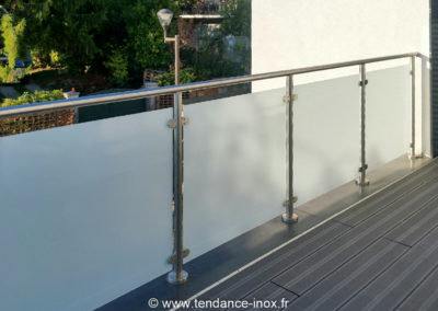 Garde-corps-Inox-sur-mesure-verre-opal_tendance-inox-4